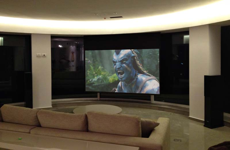 חדר קולנוע בסלון
