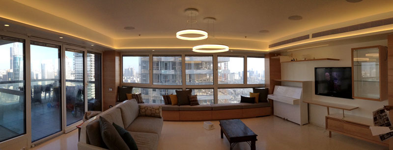 דירה בתל אביב. רמקולים שקועים בתקרה